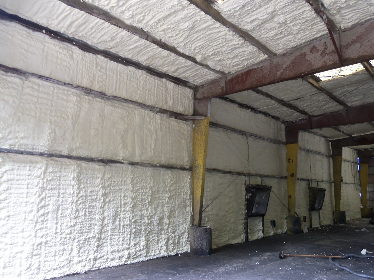 Metal building spray foam insulation st louis mo for Best insulation for new home construction